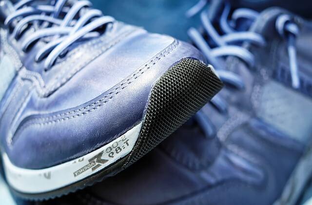 Domowe sposoby na śmierdzące buty
